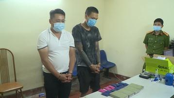 Sơn La: Điều dưỡng viên cùng đồng phạm mua bán trái phép 4 bánh heroin