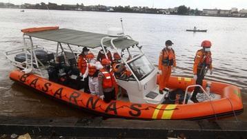16 tàu cá Indonesia chìm khiến 10 người chết, 44 người mất tích