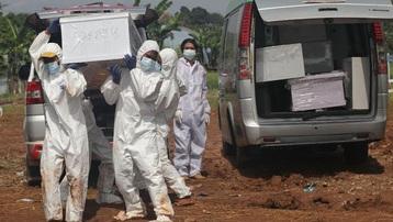 Tử vong do Covid-19 ở Indonesia tăng kỷ lục, bác sĩ qua đời tăng 100%