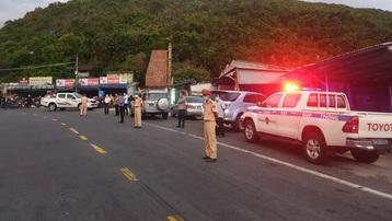 Cảnh sát giao thông dẫn đường đưa hàng chục nghìn người dân từ TP.HCM và các tỉnh lân cận về quê
