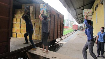 Vận tải hàng hóa đường sắt cũng cần 'luồng xanh'?