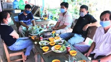 Cách chức Hiệu trưởng tổ chức ăn nhậu giữa thời điểm giãn cách xã hội