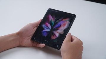 Có gì bên trong Samsung Galaxy Z Fold3?