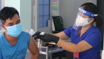 TP.HCM xin rút ngắn khoảng cách 2 mũi tiêm vaccine AstraZeneca