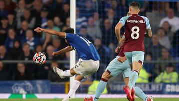 Kết quả Everton 3-1 Burnley: Everton đẩy ĐKVĐ Man City xuống thứ 5