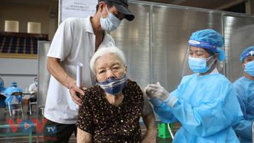 Hà Nội tiếp tục triển khai tiêm hơn 92.000 mũi vaccine Covid-19