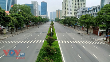 Hà Nội: Chốt kiểm soát thông thoáng, đường phố vắng vẻ trong ngày đầu nghỉ Lễ Quốc khánh