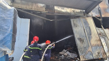 Cháy lớn tại công ty sản xuất mút xốp trong khu công nghiệp ở Bình Dương