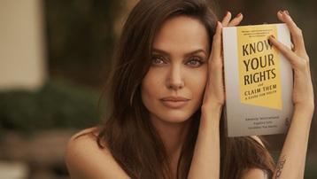 Angelina Jolie ra sách về quyền trẻ em