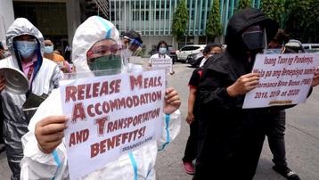 Quá tải, lương thấp, nhân viên y tế Philippines bỏ việc trong đại dịch Covid-19