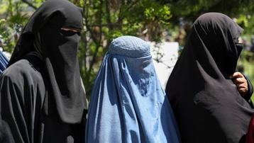 Taliban ra sắc lệnh đầu tiên với nữ giới