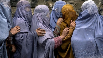 Taliban cấm phụ nữ chơi thể thao