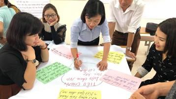Lấy ý kiến góp ý sách giáo khoa: Muốn thành công cần cải thiện dân chủ trong trường học