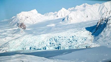 10 câu chuyện khó tin về việc sinh tồn ở Bắc Cực