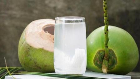 Nước dừa không kết hợp được với thực phẩm nào?