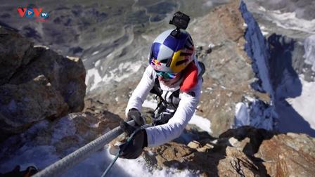 Người phụ nữ chinh phục hai đỉnh núi chỉ trong một ngày