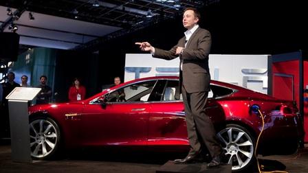 Tesla từng đứng trước nguy cơ chỉ còn một tháng là phá sản