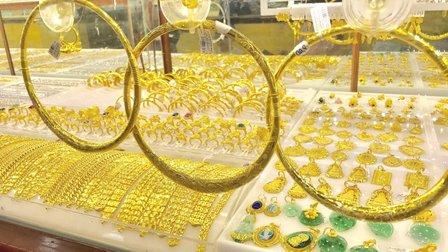 Giá vàng trong nước lên sát 57 triệu đồng
