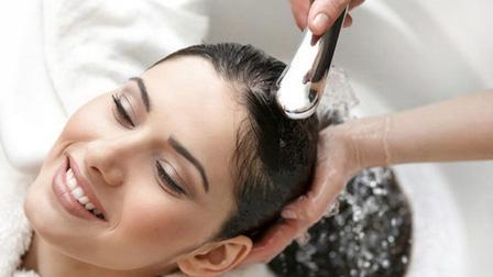 Chăm sóc tóc đẹp trong mùa đông