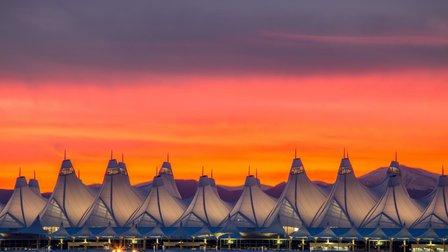 Thực hư những bí ẩn được 'che giấu' tại sân bay lớn nhất nước Mỹ