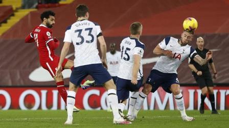 Kết quả Ngoại hạng Anh vòng 13: Đánh bại Tottenham, Liverpool chiếm ngôi đầu bảng