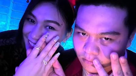 Yuno Bigboi cầu hôn bạn gái trong đêm Giáng sinh