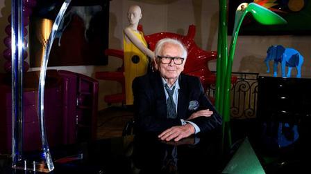 Nhà thiết kế của tương lai Pierre Cardin qua đời ở tuổi 98