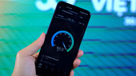 iPhone 12, điện thoại Samsung cao cấp chưa dùng được 5G ở Việt Nam