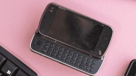 """Nokia N97: tưởng là """"iPhone killer"""" hóa ra lại là thứ giết chết chính Nokia"""