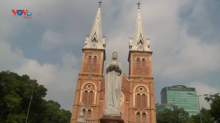 Nhà thờ Đức Bà: Danh thắng không thể bỏ qua khi đến TP Hồ Chí Minh