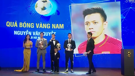 Quả bóng Vàng Việt Nam 2020 gọi tên Văn Quyết