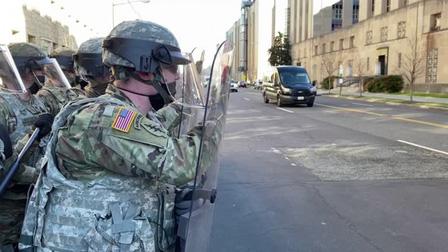 12 thành viên Vệ binh Quốc gia bị loại khỏi lực lượng bảo vệ lễ nhậm chức Tổng thống Mỹ