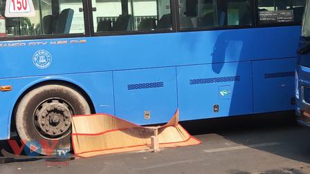 TPHCM: Xe buýt tông chết cụ bà 70 tuổi