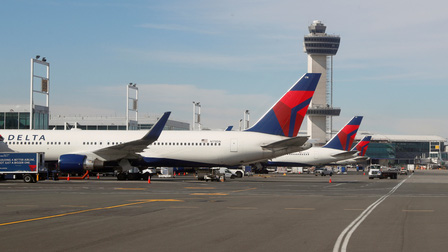 Mỹ chuẩn bị cấm hành khách từ Nam Phi để kiểm soát biến thể mới của SARS-CoV-2