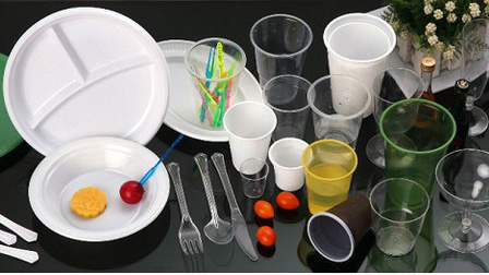 Séc chính thức cấm sử dụng một số sản phẩm làm bằng nhựa