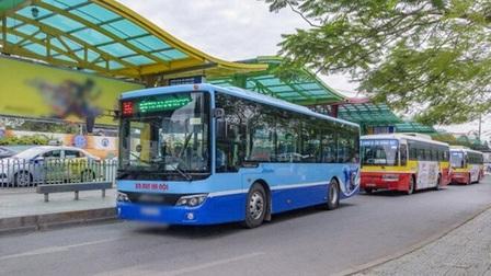Hà Nội cho phép xe buýt, taxi hoạt động lại từ ngày mai (14/10)