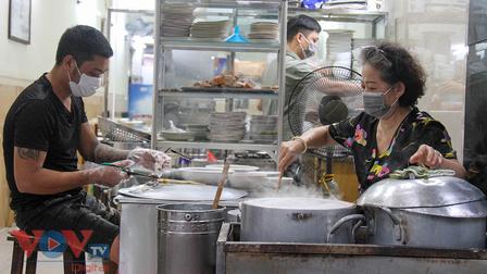 Những món ăn đón chào ngày Hà Nội mở lại hàng quán