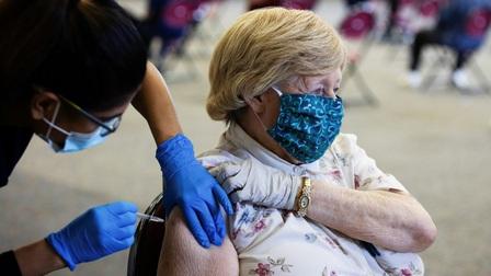 Tiêm mũi tăng cường bằng vaccine khác loại an toàn và tăng miễn dịch