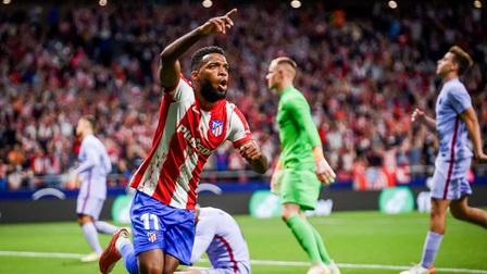 Atletico 2-0 Barcelona: Hạ gục Barca khủng hoảng, ĐKVĐ vươn lên nhì bảng