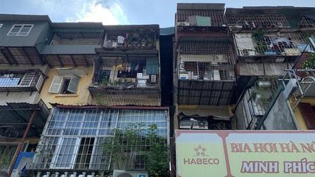 Cảnh rùng mình trong 4 khu chung cư nguy hiểm nhất Hà Nội, sắp được xây mới