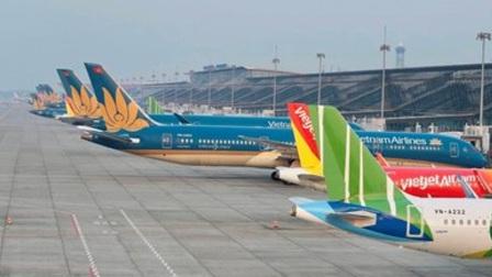Đề xuất hai phương án nối lại đường bay Hà Nội – TP.HCM