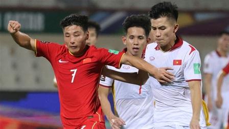 Tuyển Việt Nam chia tay 2 cầu thủ sau trận thua Trung Quốc