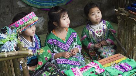 Trẻ em Suối Giàng đón Tết sớm với ngày hội 'Tết yêu thương - Ngập tiếng cười'