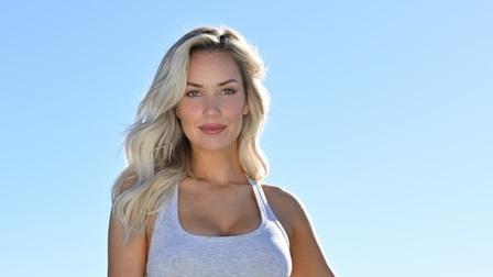 Kiều nữ sân golf tái xuất với hình ảnh sexy trên sân bóng rổ