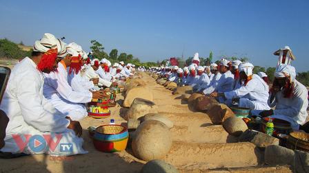 Mùa Ramưwan an lành lại đến với người Chăm Bani ở Ninh Thuận, Bình Thuận