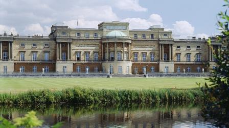 Hoàng gia Anh mở cửa cung điện đón du khách