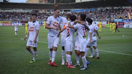 HAGL 4-3 Nam Định: 7 bàn thắng, 3 quả penaly & 1 kịch bản 'điên rồ'