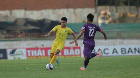 SLNA 2-0 B.BD: Văn Đức toả sáng, Tiến Linh sút trượt penalty