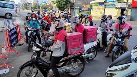 Campuchia siết phong tỏa Phnom Penh và Takhmao