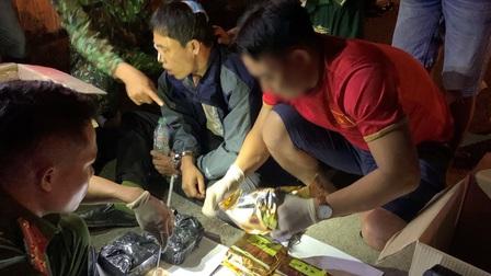 Quảng Trị: Bắt giữ đối tượng vận chuyển 11kg ma túy tổng hợp